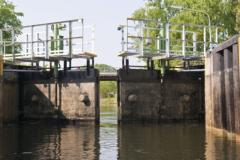 Dam/lock chain oils